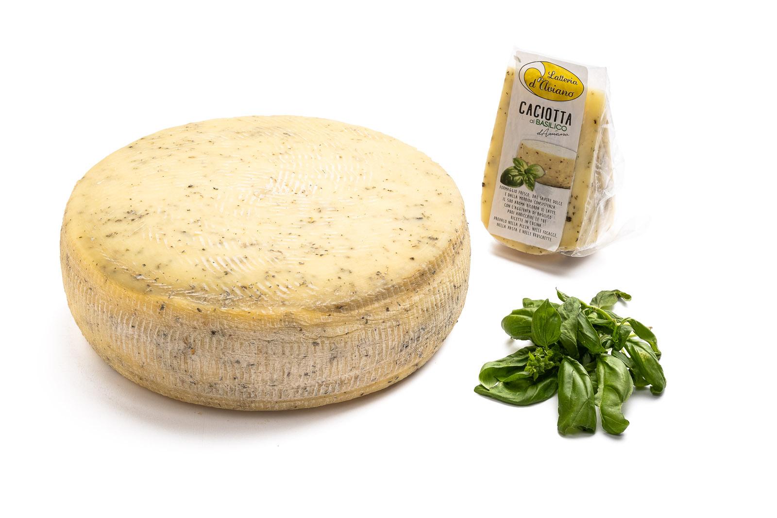 Caciotta d'Aviano basilico - Del Ben formaggi - 2kg